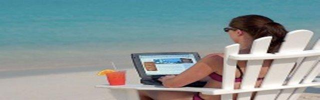 computer in spiaggia