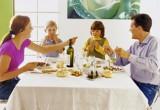 Bambini a tavola come gestirli?